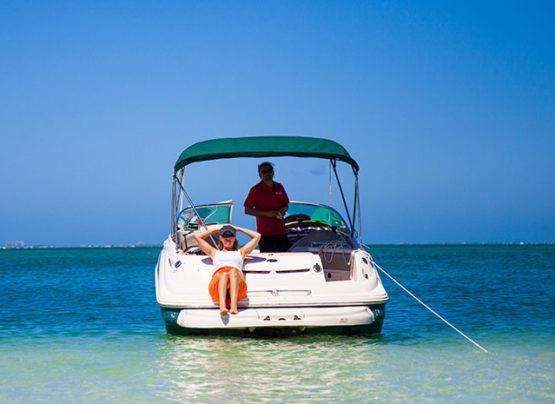 family boat trip in cayman island
